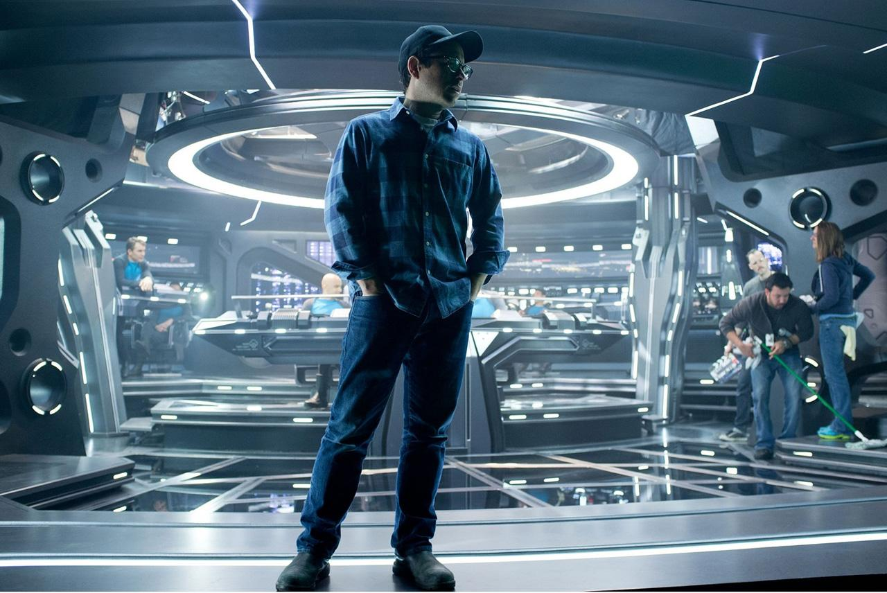 Star-Trek-Into-Darkness-Photo-12-JJ-Abrams