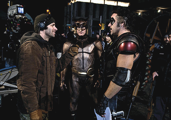 Zack-Snyder-on-the-Watchmen-Set