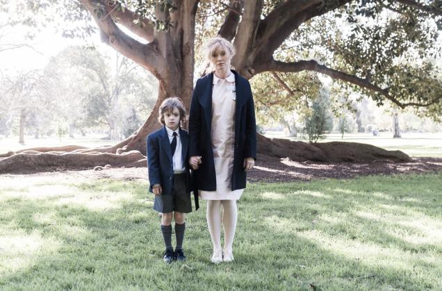 Amelia (Essie Davies) et son fils ...y'a d'la joie!
