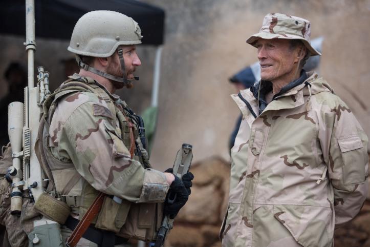 Le sniper et le canardeur - Bradley Cooper et Clint Eastwood sur le tournage.