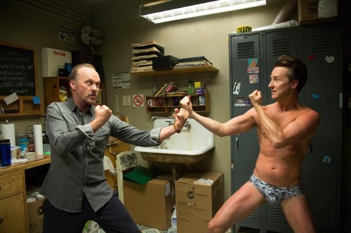 Riggan(Michael Keaton) et mike (Ed Norton) vous n'aviez jamais imaginé Batman vs hulk comme ca!