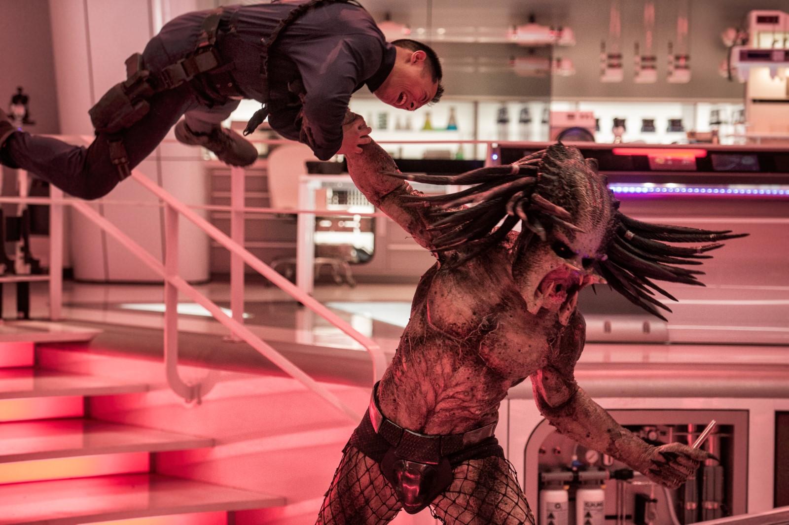 the_predator-cinemadroide